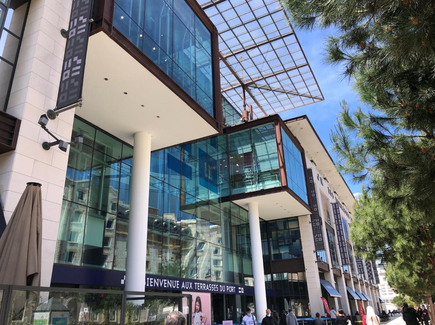 terrasses-du-port-shopping.jpg
