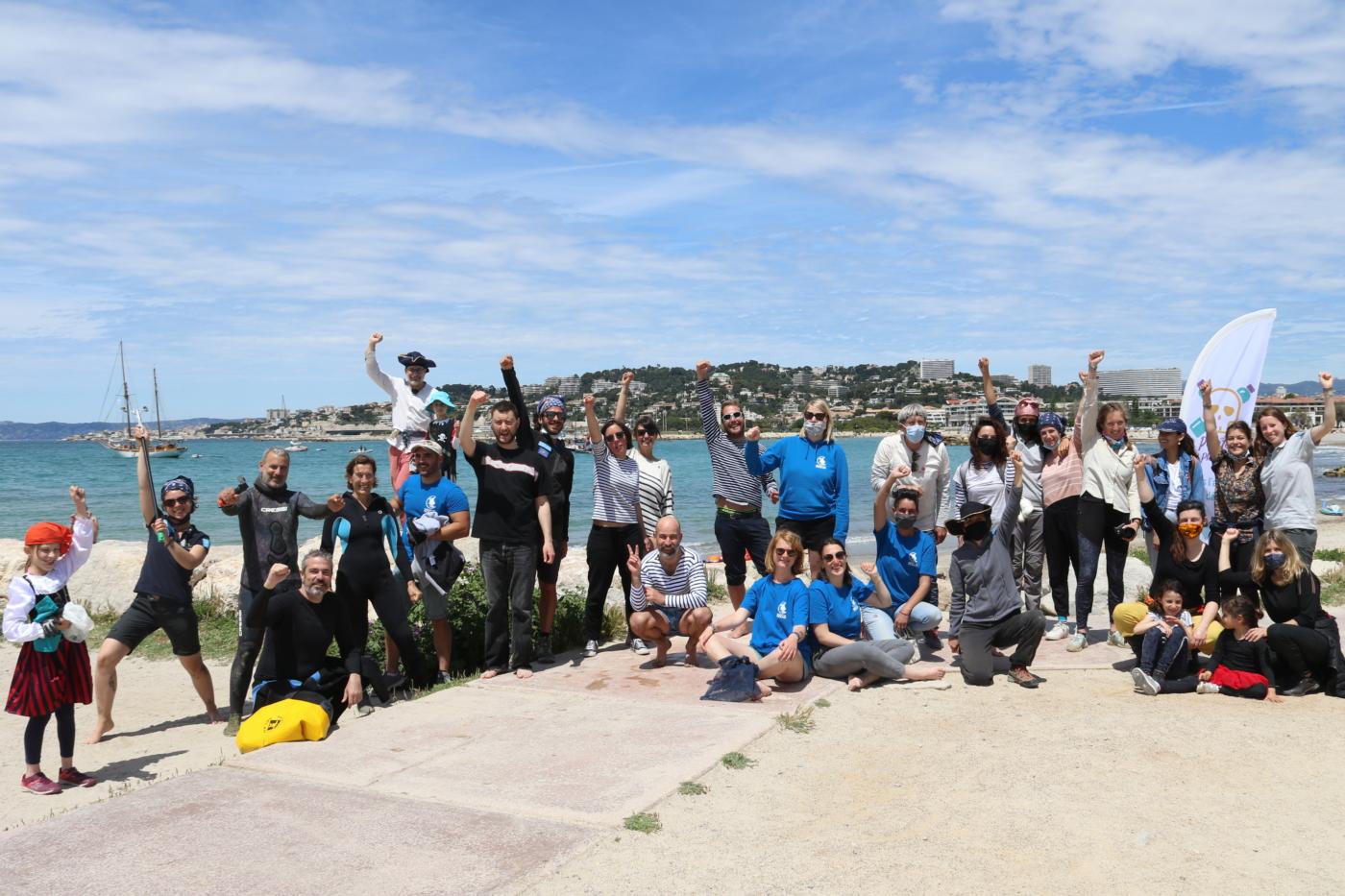, Sur les plages du Prado, les pirates du plastique amassent un butin de 36 kilos de déchets, Made in Marseille