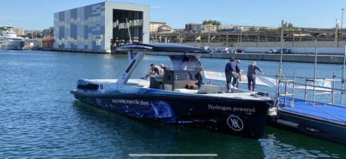 , Vidéo : The New Era, le premier bateau de plaisance au monde qui navigue à l'hydrogène, Made in Marseille